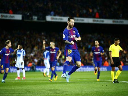 Barca thang hoa: Nho Messi hay trong tai 'dim' Real Madrid? - Anh 1