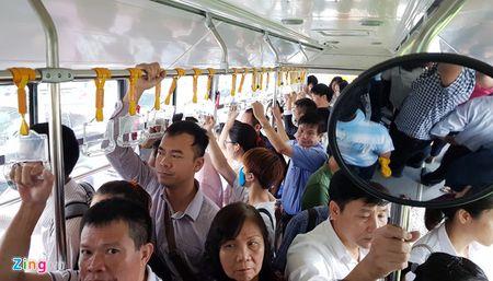 Cho 13.000 khach/ngay, buyt nhanh BRT dang co dau hieu qua tai - Anh 1