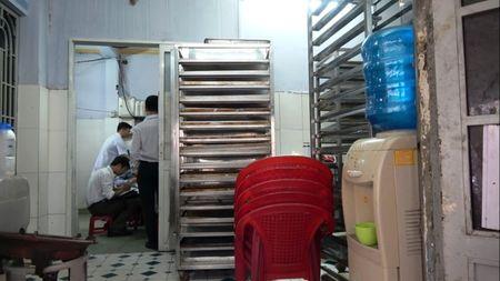 Hai hung voi may lam banh trung thu bam day can ban - Anh 5