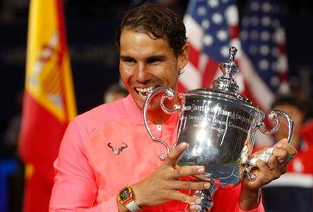Nadal khong qua ban tam den viec vuot Federer - Anh 1