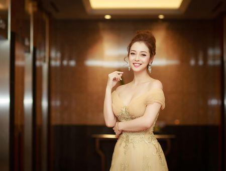 Hoa hau Jennifer Pham vai tran quyen ru lam MC tai Ha Noi - Anh 3