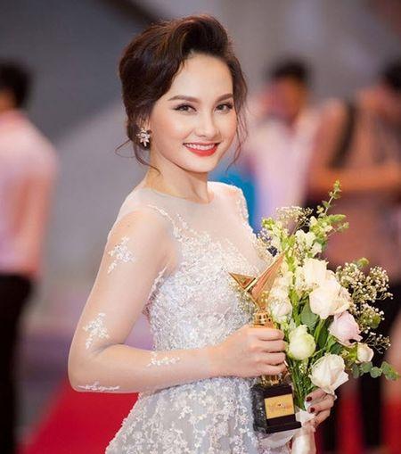 Bi to chanh choe, Bao Thanh lay MC Thao Van ra dan mat ban gai Cong Ly - Anh 2
