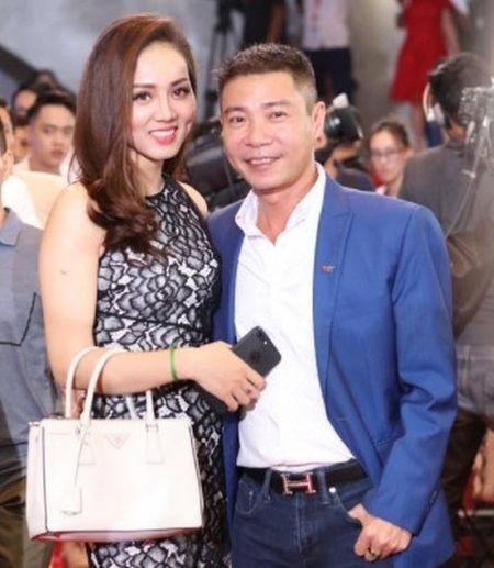 Bi to chanh choe, Bao Thanh lay MC Thao Van ra dan mat ban gai Cong Ly - Anh 3