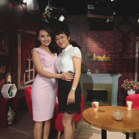 Bi to chanh choe, Bao Thanh lay MC Thao Van ra dan mat ban gai Cong Ly - Anh 6