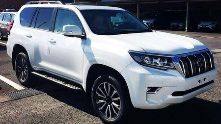 Toyota Land Cruiser Prado 2018 lo anh thuc te truoc gio G - Anh 2