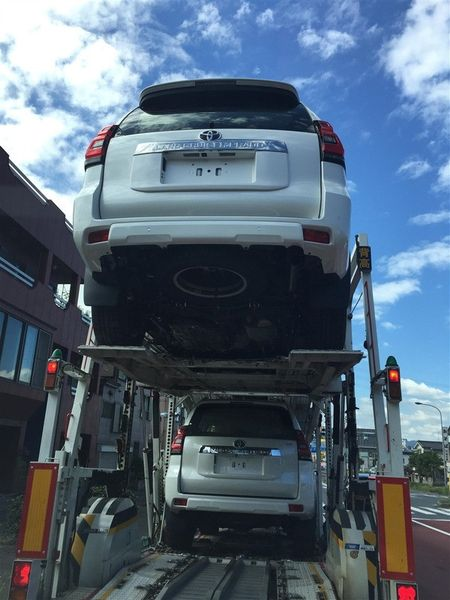 Toyota Land Cruiser Prado 2018 lo anh thuc te truoc gio G - Anh 4