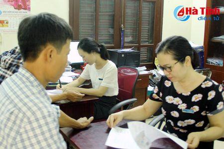 Xay dung NTM o Huong Son: Het lo tieu chi bao hiem y te! - Anh 1