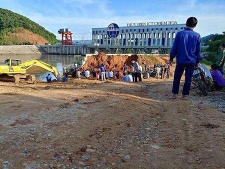 Hien truong vu sap cau, 3 nguoi mat tich o Tuyen Quang - Anh 1