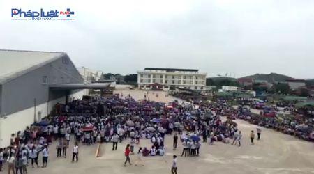 Thanh Hoa: Gan 6.000 cong nhan dinh cong da di lam tro lai - Anh 2