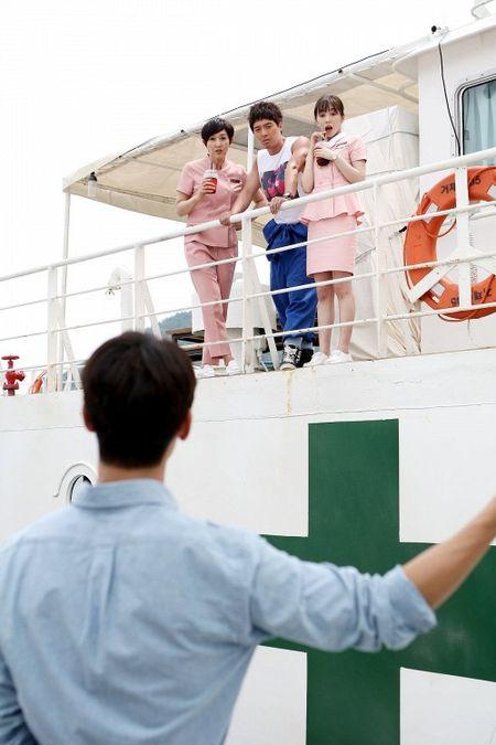 Dung that vong ve y duc vi van con nhung bac si tot tinh nhu Ha Ji Won trong 'Hospital Ship' - Anh 11