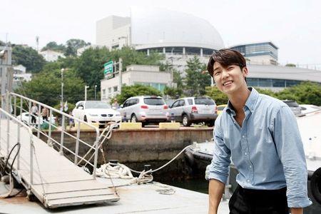 Dung that vong ve y duc vi van con nhung bac si tot tinh nhu Ha Ji Won trong 'Hospital Ship' - Anh 12