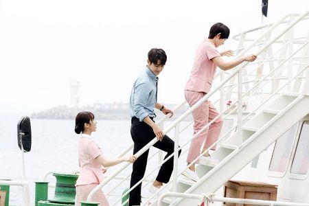 Dung that vong ve y duc vi van con nhung bac si tot tinh nhu Ha Ji Won trong 'Hospital Ship' - Anh 13