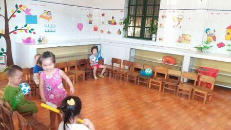 Tre khong duoc an ban tru o truong chuan: Truong phong GD len tieng - Anh 2
