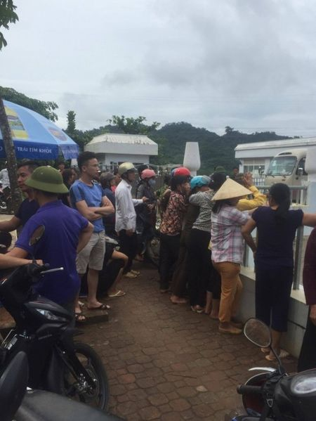 Tuyen Quang: Toan canh hien truong sap cau Vom o Chiem Hoa - Anh 3