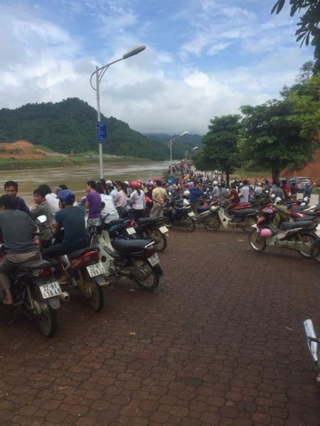 Tuyen Quang: Toan canh hien truong sap cau Vom o Chiem Hoa - Anh 5