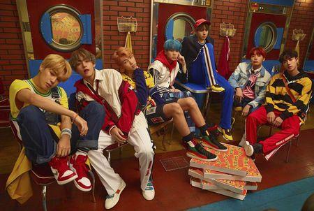 BTS tung tron ven 4 concept dep lung linh nha hang album moi - Anh 2