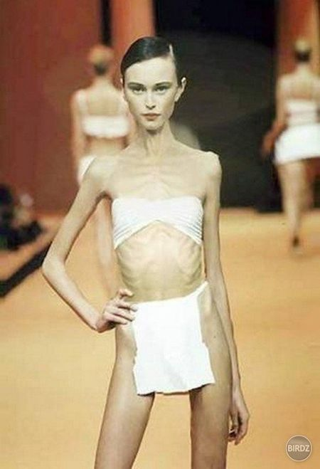 Cao Ngan - Vietnam's Next Top Model chua nham nho gi, nhin loat anh nay cua nhung nguoi mau the gioi moi thuc su choang vang - Anh 1