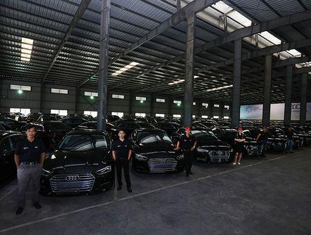 Can canh dan xe sang Audi chuan bi phuc vu APEC 2017 - Anh 2