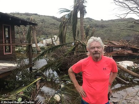 Nha ty phu Richard Branson tan hoang sau bao Irma - Anh 1