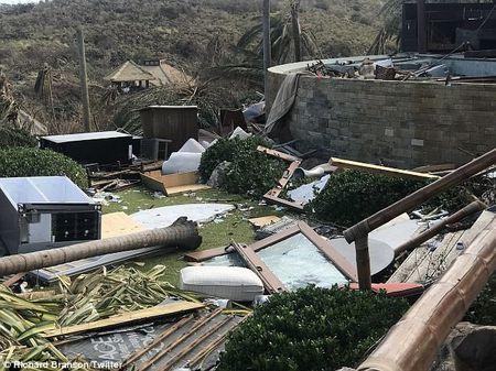 Nha ty phu Richard Branson tan hoang sau bao Irma - Anh 3