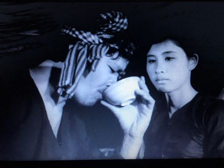 'Canh dong hoang' - ban hung ca tru tinh cua dien anh Viet - Anh 2