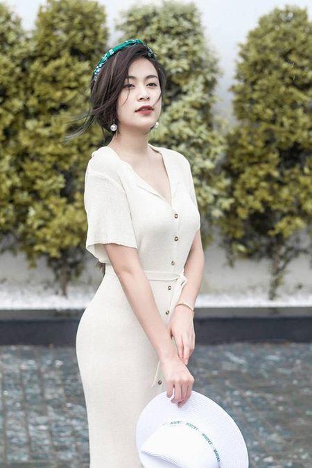 Hoang Thuy Linh khong can ho van sexy - Anh 1