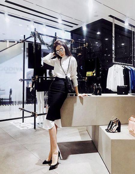 Hoang Thuy Linh khong can ho van sexy - Anh 3