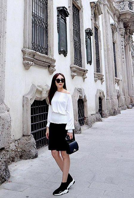 Hoang Thuy Linh khong can ho van sexy - Anh 6