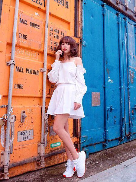Hoang Thuy Linh khong can ho van sexy - Anh 9