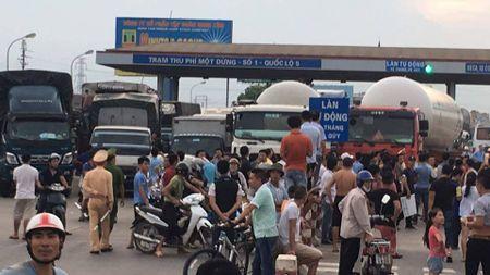 Lanh dao tinh Hung Yen kien nghi di chuyen tram BOT so 1 tren Quoc lo 5 - Anh 1