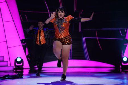 Tap 2 'Buoc nhay ngan can': Hot girl 120 kg nhay 'Cha cha cha' tinh tu - Anh 8