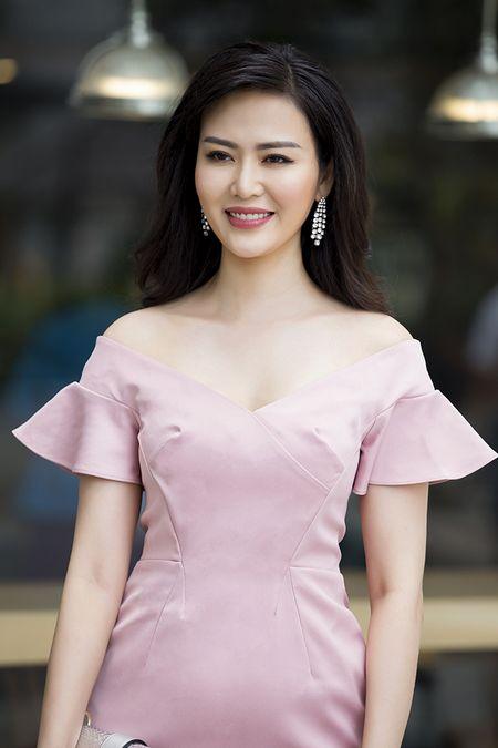 Hoa hau Dai Duong 2017: Ngo Phuong Lan, Thu Thuy tim chu nhan vuong mien 3,2 ty dong - Anh 2
