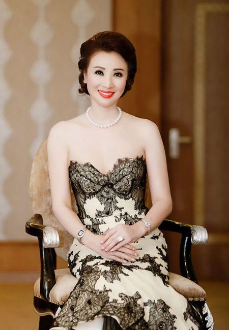 Hoa hau Dai Duong 2017: Ngo Phuong Lan, Thu Thuy tim chu nhan vuong mien 3,2 ty dong - Anh 4