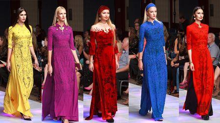Ao dai dat vang Viet gay an tuong tai New York Couture Fashion Week - Anh 1