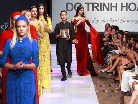 Ao dai dat vang Viet gay an tuong tai New York Couture Fashion Week - Anh 6