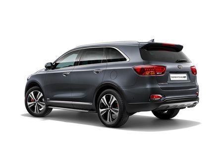 KIA 'trinh lang' mau xe Sorento 2018 tai tai trien lam Frankfurt. - Anh 2