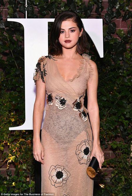 Selena Gomez 'lot xac' day quyen ru tai su kien o New York - Anh 3