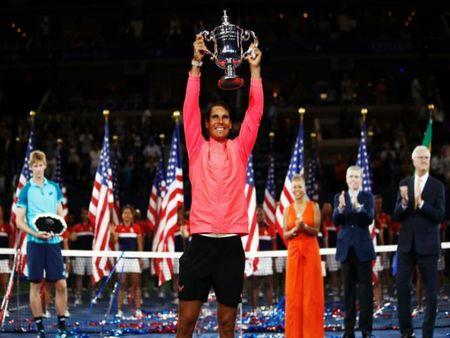 Fan che Nadal to mom, my nhan Sharapova 'danh da' benh vuc - Anh 2