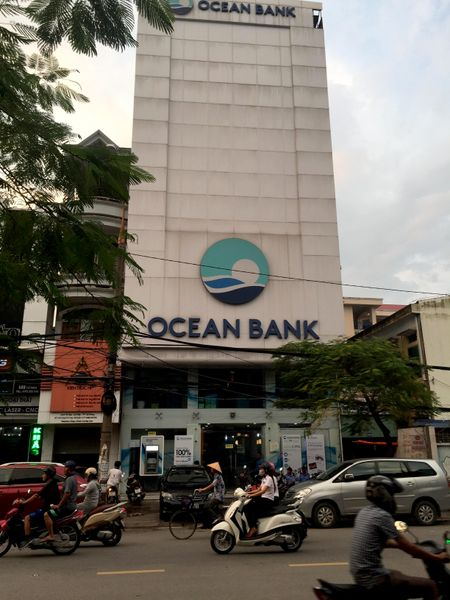 Giam doc OceanBank chi nhanh Hai Phong vang mat bat thuong 13 ngay - Anh 1