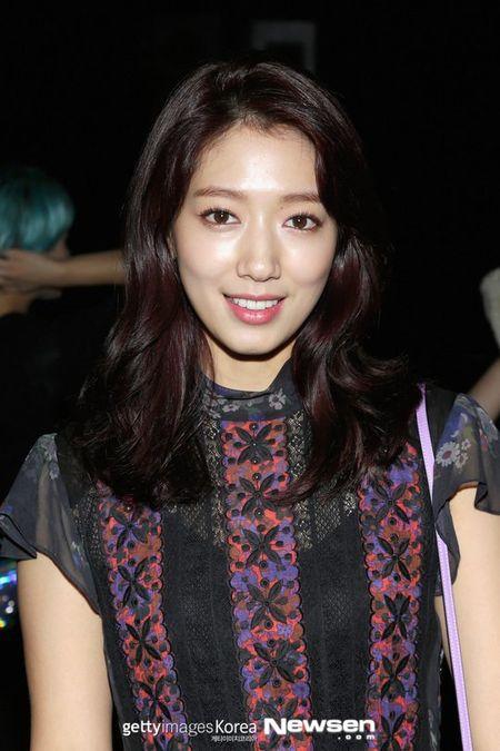 Park Shin Hye ep can khien mat gay ro ret - Anh 2