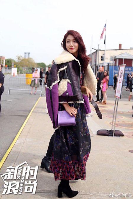 Park Shin Hye ep can khien mat gay ro ret - Anh 5