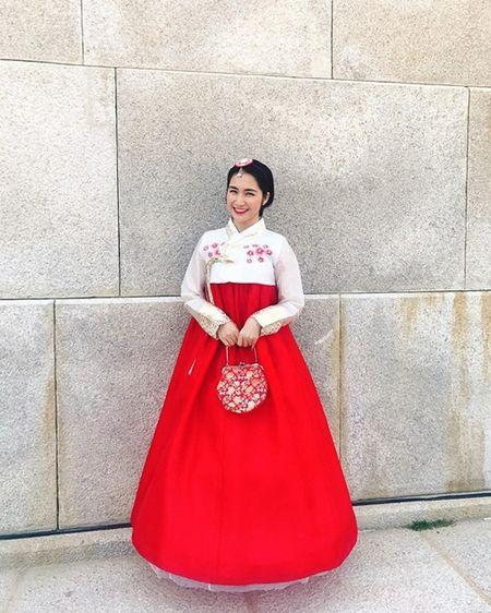 Hoa Minzy dien hanbok kham pha Han Quoc cung trai dep - Anh 1