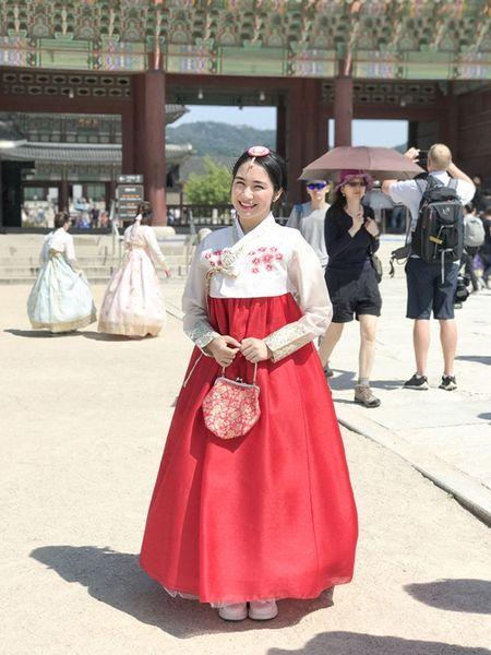 Hoa Minzy dien hanbok kham pha Han Quoc cung trai dep - Anh 3