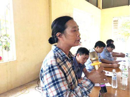 Vu dua thuc pham ban vao truong hoc o Vinh Phuc: Khong cho di hoc khi vu viec chua duoc lam ro - Anh 2