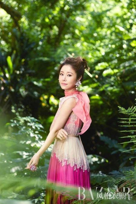 Lam Tam Nhu khoe ve dep khong the cham vao cung chang the roi xa - Anh 4