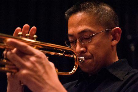 Nghe si trumpet goc Viet hai lan doat giai Grammy den Viet Nam - Anh 1