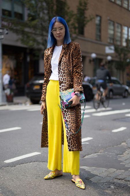 Thoi trang duong pho New York Fashion Week: Tu sexy den sang chanh - Anh 8