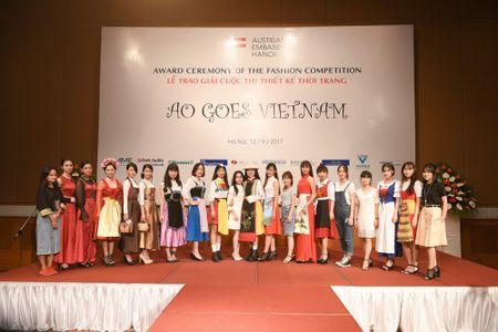 Trao giai cuoc thi thiet ke thoi trang 'Ao goes Vietnam' - Anh 14