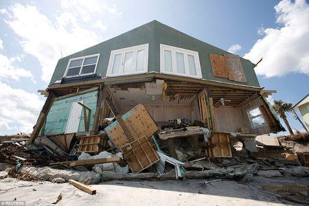 Sieu bao 'quai vat' Irma da 'can xe' Florida nhu the nao? - Anh 12