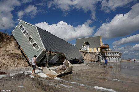 Sieu bao 'quai vat' Irma da 'can xe' Florida nhu the nao? - Anh 20